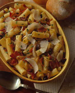 RIGATONI WITH OLIVES AND BACON