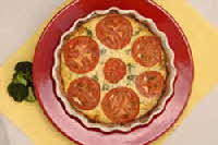 broccoli swiss quiche with tomatoes