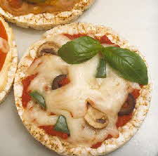 PIZZA RICE CAKES